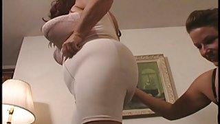 فیلم سکسی - لباس زیر زنانه